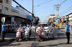 Giao thông thông thoáng trong ngày đầu cấm xe tải quanh Tân Sơn Nhất