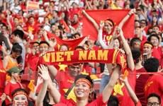 """Hơn 700 cổ động viên Việt Nam tới Yangon """"tiếp lửa"""" cho đội tuyển"""