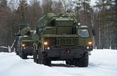 Bộ Quốc phòng Nga tiếp nhận 5 trung đoàn tên lửa S-400 Triumf