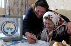 Cử tri Kyrgyzstan bỏ phiếu ủng hộ các biện pháp cải cách hiến pháp