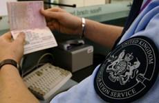 Anh bắt 24 đối tượng trong mạng lưới đưa người nhập cư trái phép
