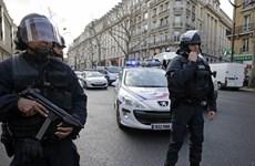 Thượng viện Pháp nhất trí tiếp tục gia hạn tình trạng khẩn cấp