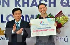 Việt Nam đón vị khách quốc tế thứ 10 triệu trong năm 2016