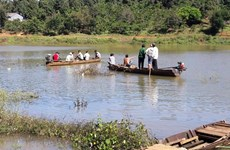 Lật thuyền trên sông làm hai người chết, một người mất tích