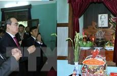 Chủ tịch Ủy ban Mặt trận Tổ quốc dâng hương tưởng niệm Bác Hồ