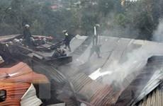 Cháy kho nguyên liệu làm hương kèm tiếng nổ lớn, 2 người bị thương