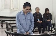 18 năm tù giam dành cho kẻ dùng xăng đốt vợ vì ghen tuông
