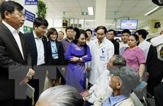 Bộ trưởng Y tế yêu cầu tiếp tục giảm phiền hà cho người bệnh
