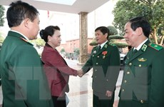 Chủ tịch Quốc hội đến thăm chiến sỹ Bộ Tư lệnh Bộ đội Biên phòng