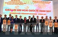 Các đại sứ, đại diện ngoại giao nghe dân ca quan họ Bắc Ninh