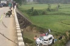 Taxi rơi xuống cầu, 6 người chết và bị thương sau khi đi đám cưới