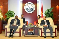 Việt Nam-Angola hợp tác đầu tư viễn thông và công nghệ thông tin