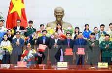 Vinh danh 10 gương mặt trẻ Việt Nam tiêu biểu trong năm 2016