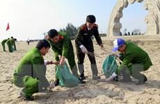 """Hà Tĩnh phát động chương trình """"Hãy làm sạch biển"""" năm 2017"""