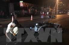 Ôtô đâm gục hàng loạt xe máy, 8 người phải nhập viện