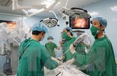 Tiến hành ca phẫu thuật ung thư dạ dày đầu tiên bằng robot