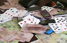 Bắt quả tang 12 đối tượng tổ chức đánh bạc trong quán càphê