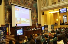 Thuyết trình giới thiệu về ASEAN tại Đại học Kinh tế ASE ở Romania