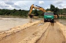 Thêm một doanh nghiệp đắp đập trên sông Đăk Bla để khai thác cát