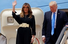 Vợ con ông Donald Trump không đeo khăn trùm đầu khi tới Saudi Arabia