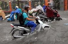 Mưa lớn kéo dài nhiều giờ gây ngập cục bộ ở Thành phố Hồ Chí Minh
