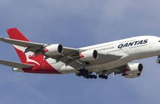 Hai máy bay Qantas Airways phải trở lại điểm khởi hành do sự cố