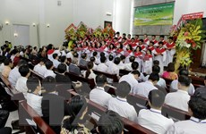 Trao giấy phép thành lập Trường Kinh Thánh Cơ đốc tại TP.HCM