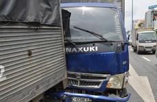 Tai nạn liên hoàn, 6 ôtô dính chặt vào nhau gây ùn tắc nghiêm trọng