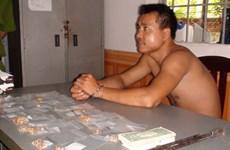 Bắt đối tượng dùng xà beng cạy cửa lấy trộm 200 mẫu vàng trang sức