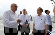 Bí thư Thành ủy TP.HCM tham quan tiến độ xây dựng Ngôi nhà Đức