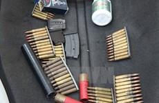 Tạm giữ hai đối tượng để điều tra hành vi mua bán, tự chế tạo súng 
