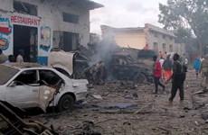 Đánh bom xe liên tiếp tại thủ đô của Somalia, ít nhất 17 người chết