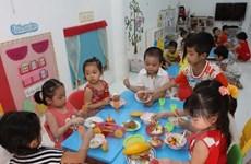Kiểm tra chất lượng sữa sử dụng cho trẻ ở các trường mầm non