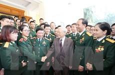 Tổng Bí thư gặp mặt thân mật các đại biểu ưu tú thanh niên quân đội