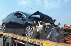 Xe tang chở 20 người đấu đầu Kia Morning, nhiều người bị thương