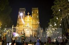 [Photo] Thủ đô Hà Nội rực rỡ đón chào mùa Giáng sinh an lành