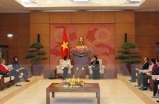 Chủ tịch Quốc hội Nguyễn Thị Kim Ngân tiếp Đại sứ Canada