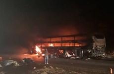 Xe giường nằm cháy rụi trên đèo Pha Đin, hành khách hoảng loạn