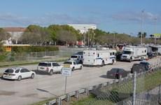 Vụ xả súng ở Florida: Thống đốc thông qua dự luật kiểm soát súng đạn