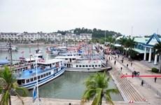 Tàu du lịch bất ngờ bị chìm tại Cảng tàu khách quốc tế Tuần Châu