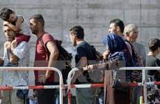 EU cảnh báo siết chặt chính sách cấp thị thực để ngăn làn sóng di cư