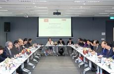 Thủ tướng đối thoại với lãnh đạo các doanh nghiệp hàng đầu Singapore
