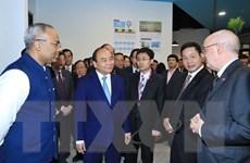 Thủ tướng Nguyễn Xuân Phúc thăm Đại học Quản lý Singapore