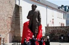 Trung Quốc tặng Đức bức tượng đồng nặng 3 tấn tạc hình Karl Marx