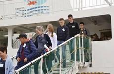 Khoảng 60 công dân Nga trên đảo tranh chấp Hokkaido tới Nhật Bản