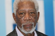 """Bị """"tố"""" quấy rối tình dục, diễn viên 80 tuổi Morgan Freeman xin lỗi"""