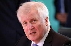 Bất đồng về chính sách tị nạn, Bộ trưởng Nội vụ Đức muốn từ chức