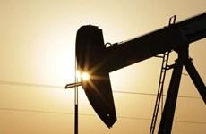 Lo ngại về cuộc chiến thương mại tiếp tục gây sức ép lên giá dầu