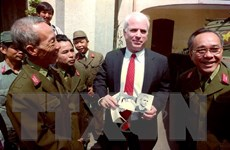 Nhìn lại một số hình ảnh về Thượng nghị sỹ John McCain