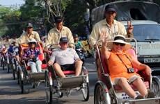 Đà Nẵng: Ngăn chặn người ăn xin, bán hàng rong chèo kéo khách